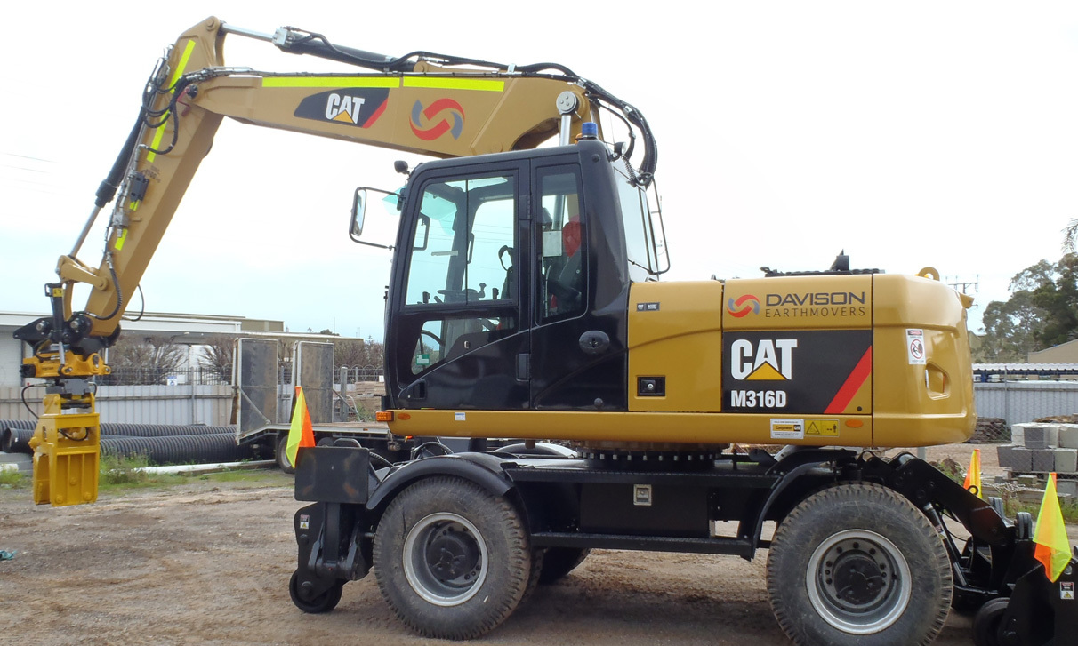 CAT  M316D Hi Rail Excavator (16TN)